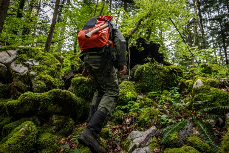 Wear Appropriate Clothing (Snake Bite: The Ultimate Survival Guide for the Wilderness)