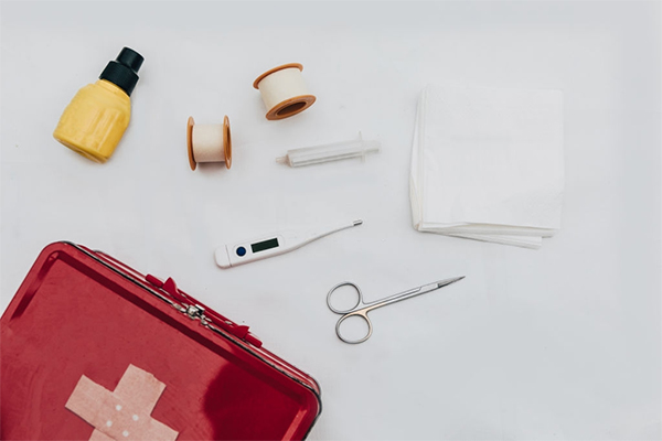 Basic First Aid Items (Setting up a First Aid Kit for a Pandemic Survival)